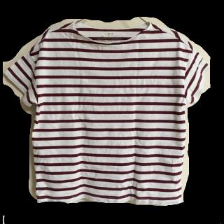 このコーデで使われているMUJI(無印良品)のTシャツ/カットソー[ホワイト/ボルドー]