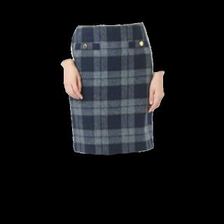 このコーデで使われているDee Flavorのタイトスカート[ネイビー/グレー]