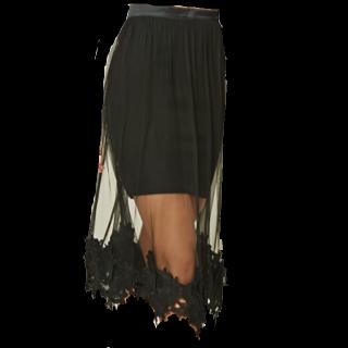 このコーデで使われているFOREVER 21のミモレ丈スカート[ブラック]