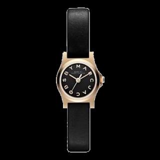 このコーデで使われているMarc by Marc Jacobsの腕時計[ゴールド/ブラック]