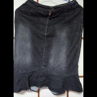 このコーデで使われているタイトスカート[ブラック]