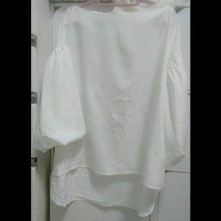このコーデで使われているCOCAのシャツ/ブラウス[ホワイト]