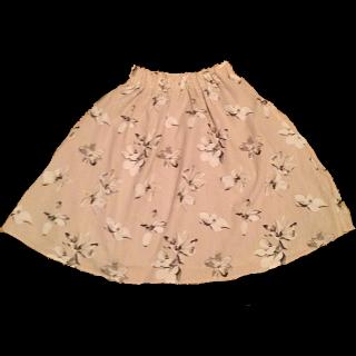 このコーデで使われているひざ丈スカート[ピンク]