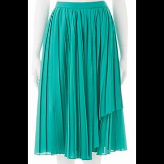このコーデで使われているrougedaiamantのひざ丈スカート[グリーン]