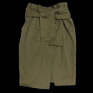 このコーデで使われているCOCO DEALのひざ丈スカート[カーキ]