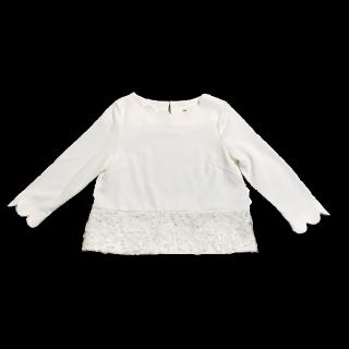 このコーデで使われているSTRAWBERRY-FIELDSのTシャツ/カットソー[ホワイト]