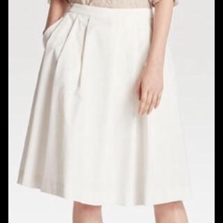 このコーデで使われているUNIQLOのスカート[ホワイト]