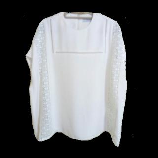 このコーデで使われているAHUMのシャツ/ブラウス[ホワイト]