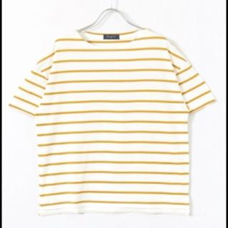 このコーデで使われているURBAN RESEARCHのTシャツ/カットソー[イエロー]