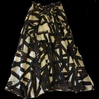 このコーデで使われているNobleのマキシ丈スカート[ブラウン/ベージュ/ブラック]