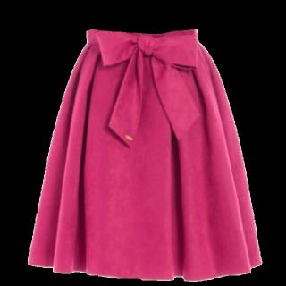 このコーデで使われているNoelaのひざ丈スカート[ピンク/レッド]