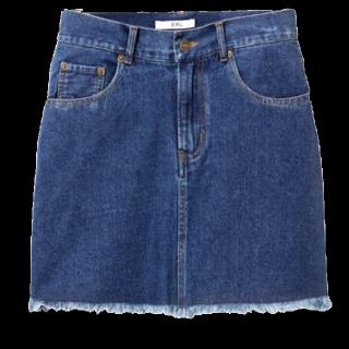 このコーデで使われているGRLのミニスカート[ネイビー/ブルー]
