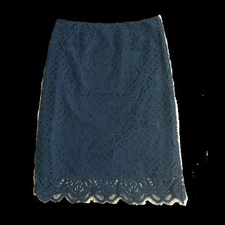 このコーデで使われているURBAN RESEARCH ROSSOのひざ丈スカート[ネイビー]