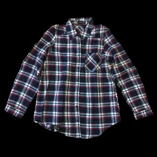 このコーデで使われているINGNIのシャツ/ブラウス[ネイビー]