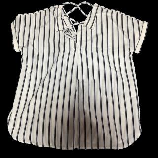 このコーデで使われているGRLのTシャツ/カットソー[ホワイト/ネイビー]