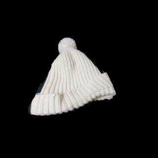 このコーデで使われている三日月百子のニット帽[ホワイト]