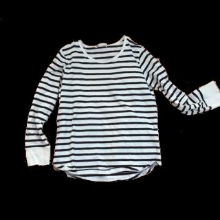このコーデで使われているikkaのTシャツ/カットソー[ホワイト/ブラック]