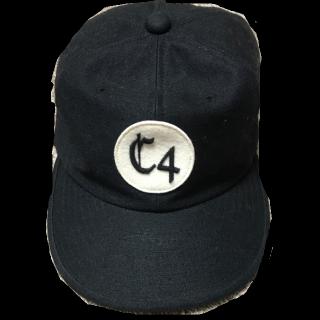 このコーデで使われているCA4LAのキャップ[ブラック]