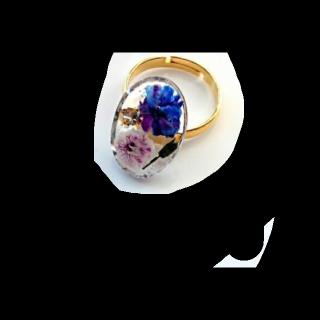 このコーデで使われている手作りのリング[ブルー]