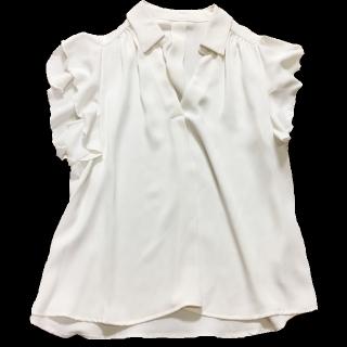 このコーデで使われているINGNIのTシャツ/カットソー[ホワイト]