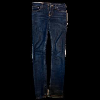 このコーデで使われているnudie jeansのデニムパンツ[ネイビー]