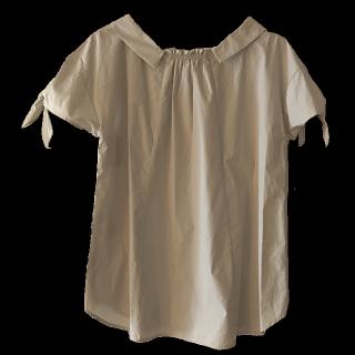 このコーデで使われているCouture broochのシャツ/ブラウス[ベージュ]