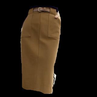 このコーデで使われているandjのタイトスカート[カーキ]