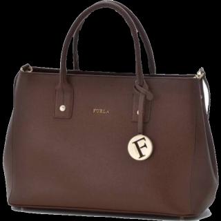 このコーデで使われているFURLAのハンドバッグ[ブラウン]