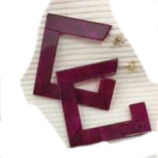 このコーデで使われているCOQULEのピアス/イヤリング[レッド]