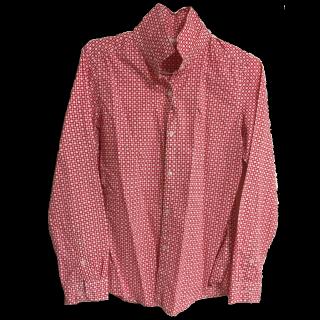 このコーデで使われているUNIQLOのシャツ/ブラウス[ホワイト/レッド]